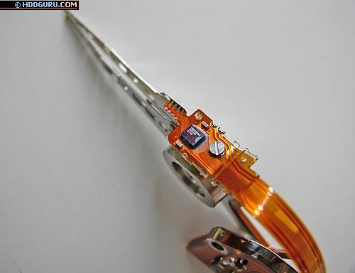 БМГ накопителя Hitachi серии ATMR (форм-фактор 2,5') с бескорпусным коммутатором