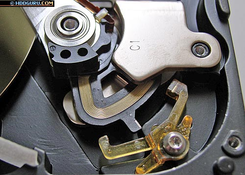 Система парковки по магнето-механическому принципу накопителей Western Digital (WD200EB)