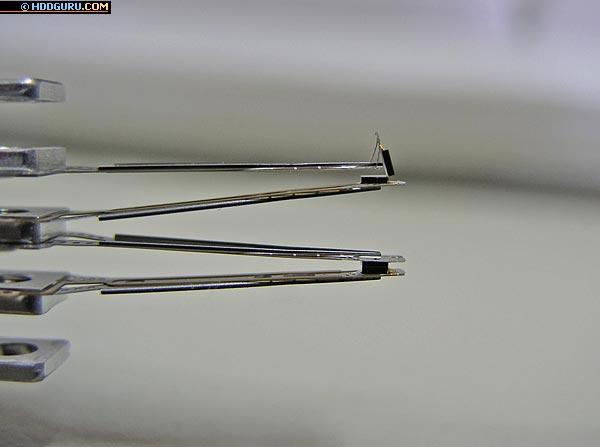 Повреждённая головка накопителя Quantum Pro Drive LPS