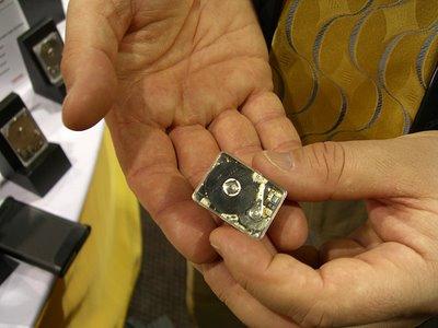 Toshiba выпускает 0.85-дюймовый накопитель объемом 8 ГБ