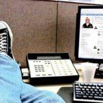 Пользующиеся на работе соцсетями сотрудники лучше справляются со стрессом
