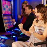 Как в игровые слоты играть бесплатно в казино Фараон