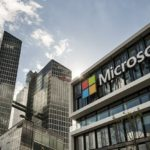 Часть сотрудников Microsoft сможет работать на удаленке на постоянной основе