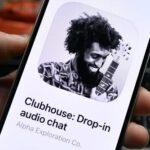 Clubhouse может быть признана российскими операторами соцсетью