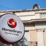 Клиенты MoneyGram смогут обналичивать BTC в магазинных киосках